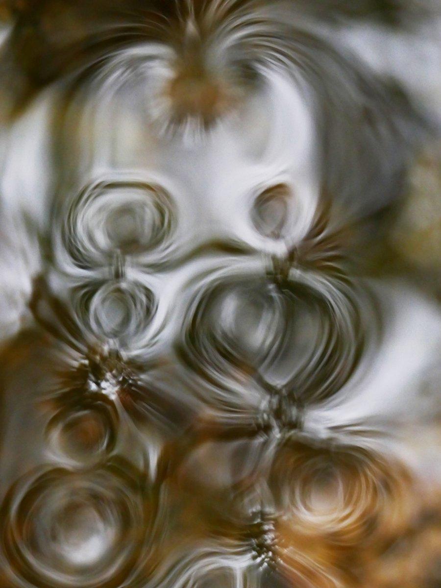 EB3-P2140855-chimer-vortex