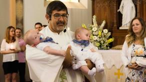 Fotos do Batizado dos gêmeos Benjamin e Gabriel em São Leopoldo