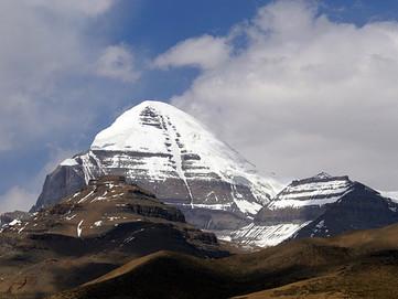 """Monte Kailash: """"Porta del Paradiso"""" dove si trova e il significato religioso del monte"""