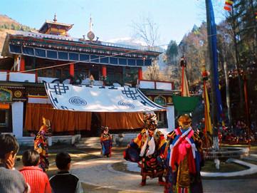 Losar: Capodanno Tibetano, il momento giusto per appendere le bandiere tibetane