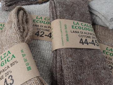 Calze in Fibre Naturali: Alpaca, Cotone, Pecora e Canapa, qual'è la migliore per i tuoi piedi?