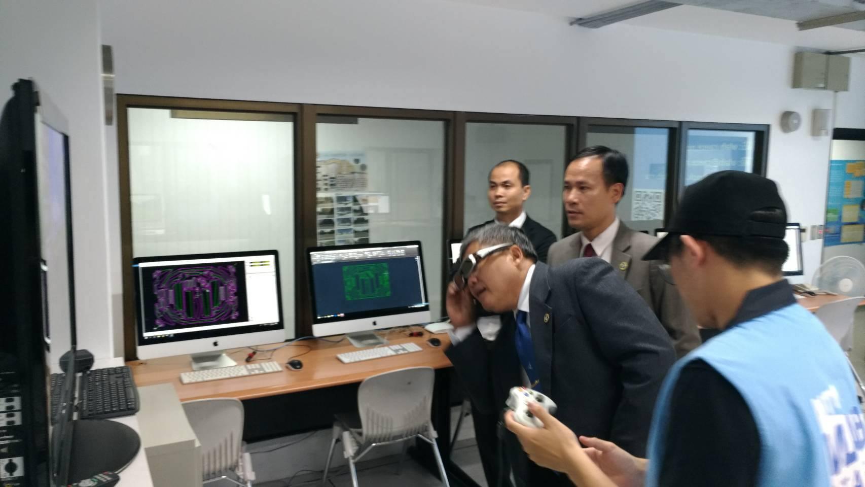 越南胡志明市百科大學參訪