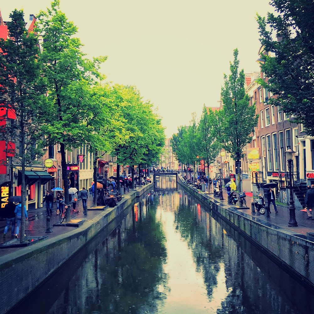 Downtown Amsterdam, Canals