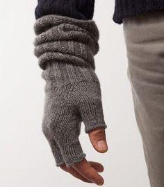 Fingerless gloves are love
