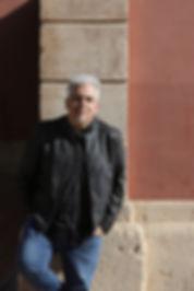 Toni-Bestard-presentar-Background-curtme