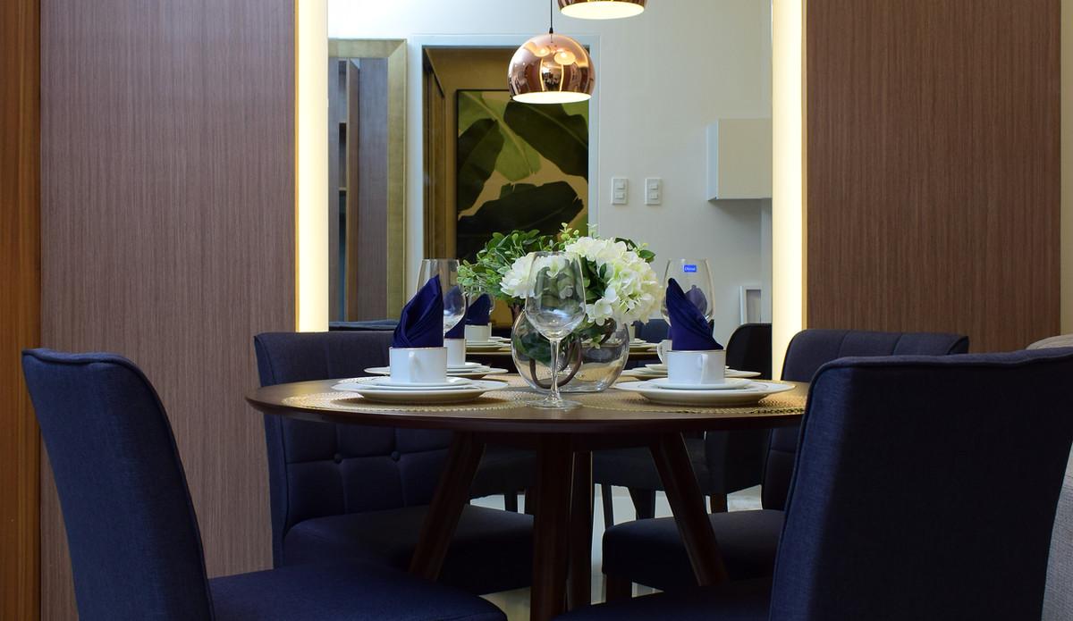 10 Acacia Place Dining Area.JPG