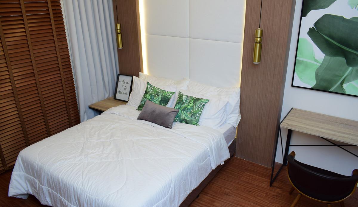 10 Acacia Place Bedroom.JPG