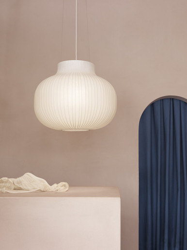 Strand-pendant-lamp-closed-80cm-muuto-or