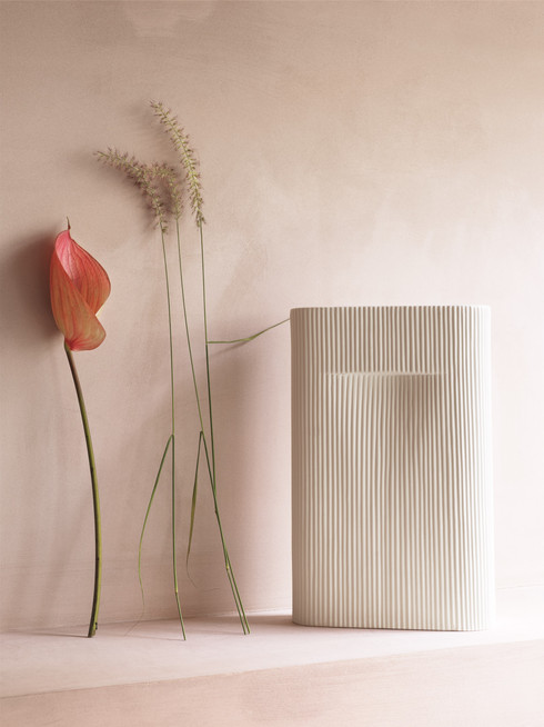 ridge-vase-off-white-2-muuto-org_(150).j
