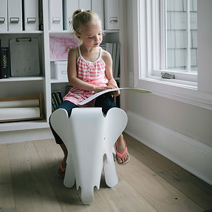 eames-elephant-replica-reading-front_b27
