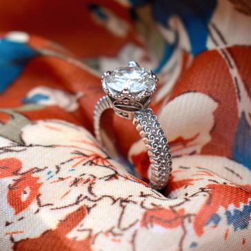 Korean Motif Diamond Solitaire Engagement Ring