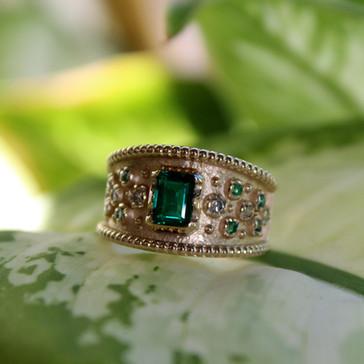 Emerald Etruscan Ring