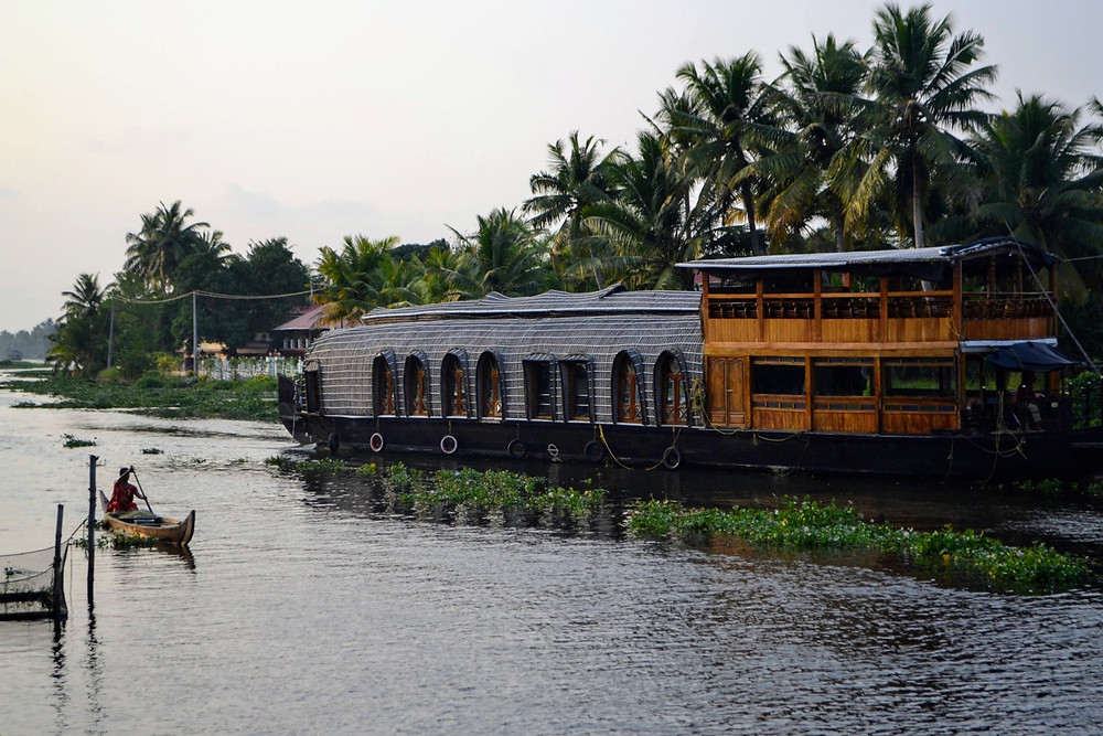 Alleppey house boats Kerala | Couple destinations in South India | Lesser known Romantic Places in India