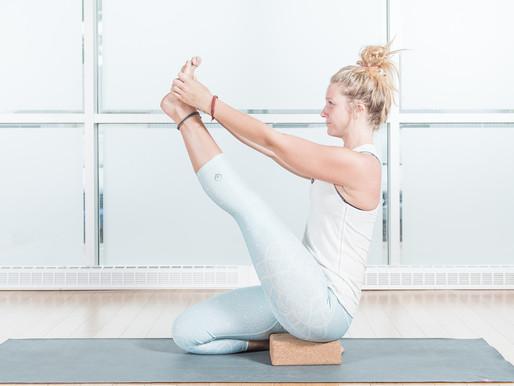 La posture du héron | Krounchasana | Centre Yoga Santé