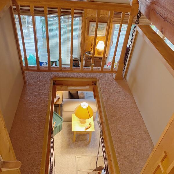 Pull down steps for loft
