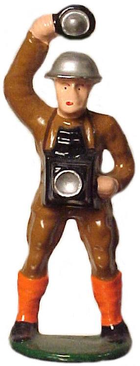#661 - Soldier w/ Camera