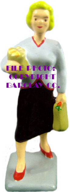 #1524 - Lady w/ Shopping Bags