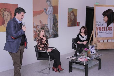 Jorge Macri acompañó a Silvia Irigaray en la presentación de su libro