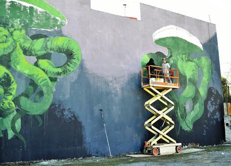 El programa Viví Arte presenta un nuevo mural en la plaza del retén Belgrano Cargas
