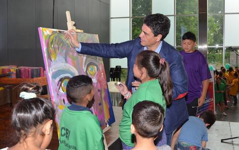 Jorge Macri estuvo presente en la muestra anual de los CBIs