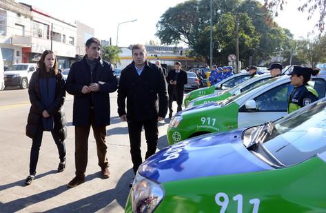 El intendente Jorge Macri junto al ministro Cristian Ritondo presentó nuevos móviles y una Torre de