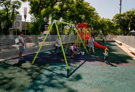 Jorge Macri recorrió la renovada Plaza 30 de Abril, en Murno