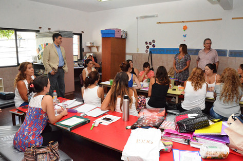 Jorge Macri visitó a maestras del Jardín Maternal Nº9