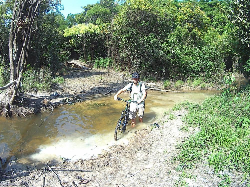 Biking tour to Yahuarcaca Lakes with Hipilandia