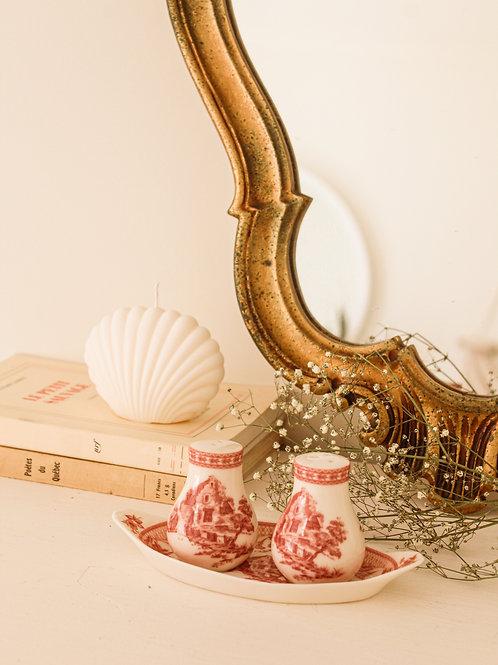 Salière et poivrière en porcelaine