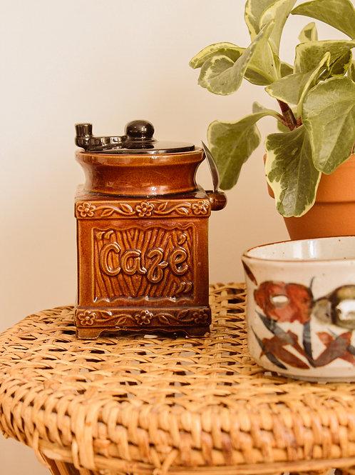 Pot à café en poterie