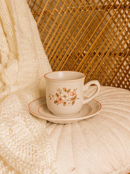 Tasse à café fleurie (et sa soucoupe)