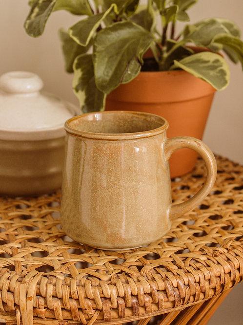 Tasse à café en poterie