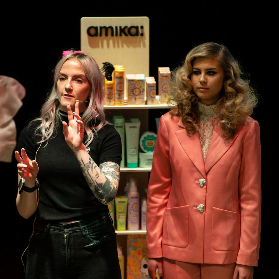 Amika show