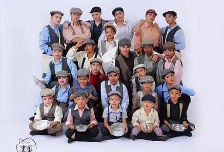 Performing Group Sat. 100-300 NEWSIES.jp