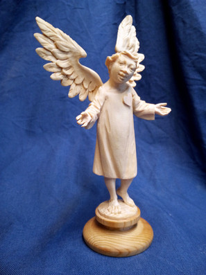 Engel mit Herz am rechten Fleck