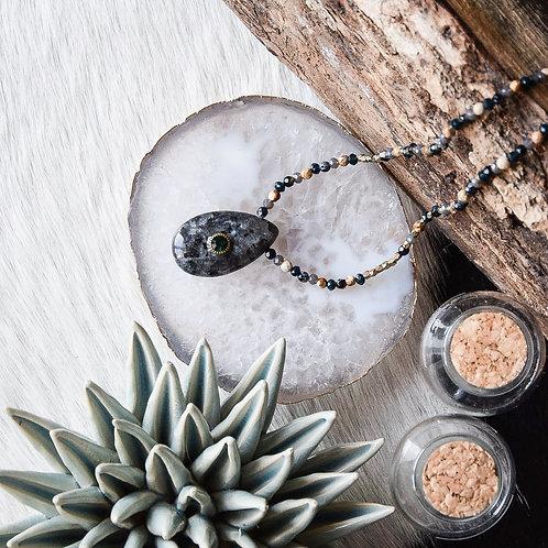 mara select collier pierre et perles