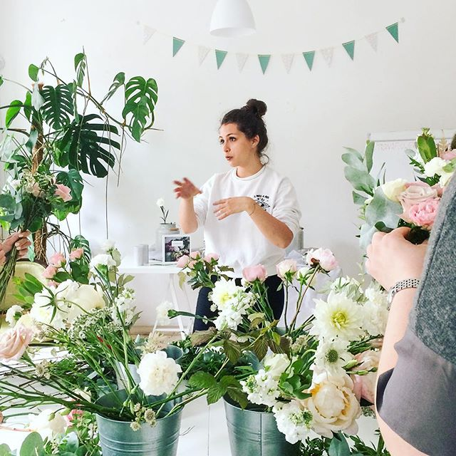 Много цветов никогда не бывает; да еще когда в Открытом зале работают флористы _be_a_florist запах ц