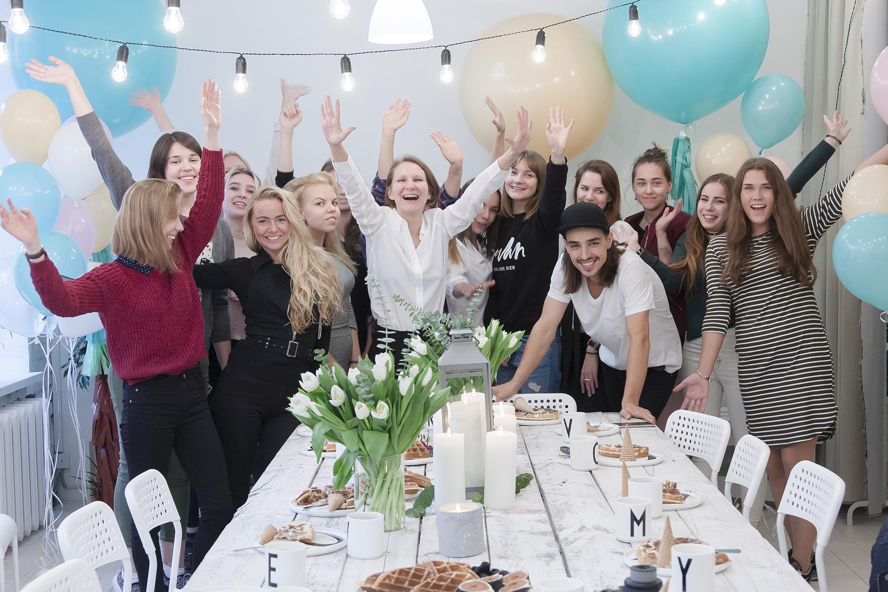 Вечеринка в частном доме в москве дома престарелых заостровье в калининграде