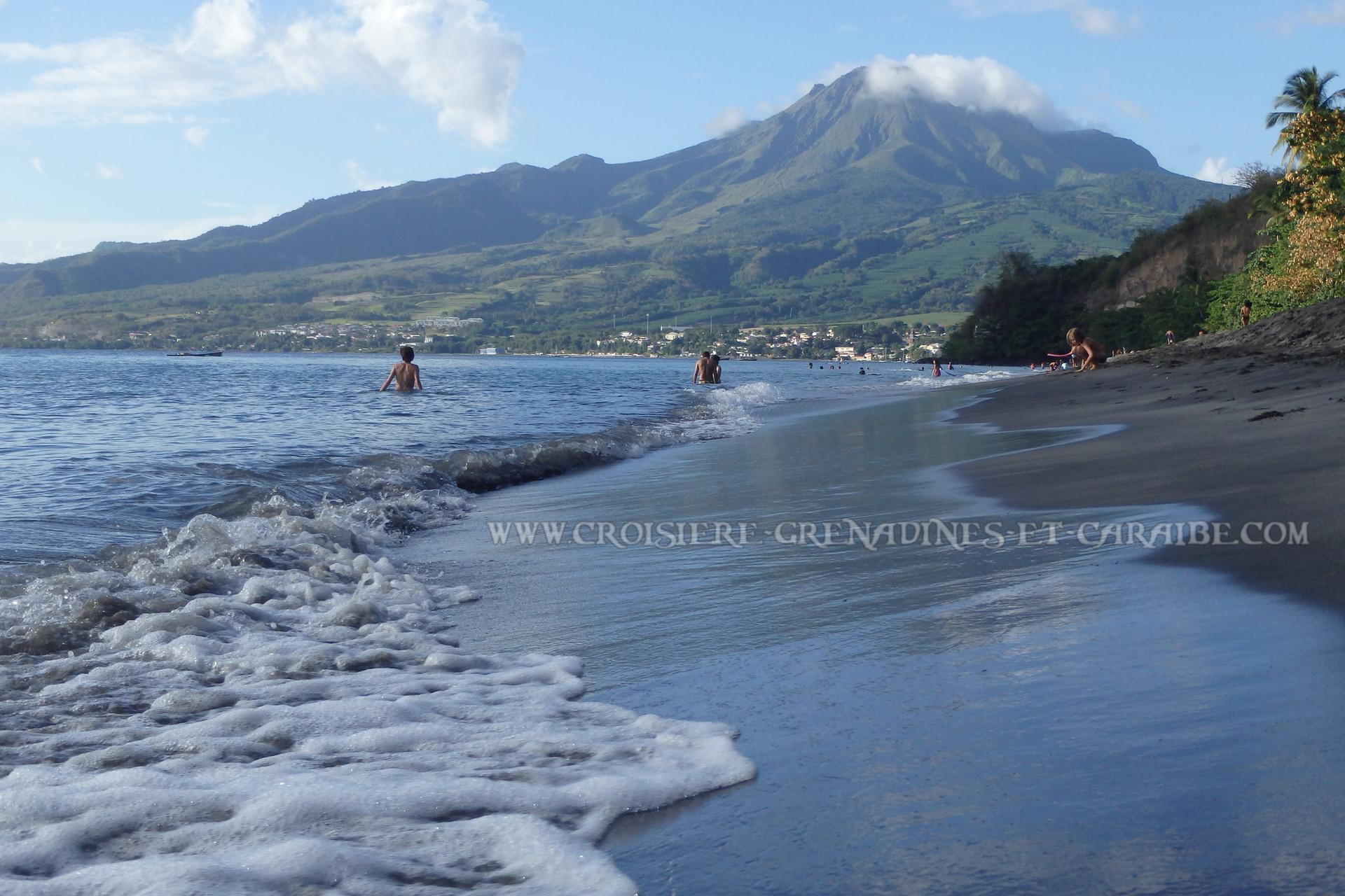 Anse Turin, les raisinniers, Le Carbet, Martinique, Montagne pelée, croisiere Martinique