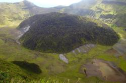 Cratère volcan, croisiere Grenadines