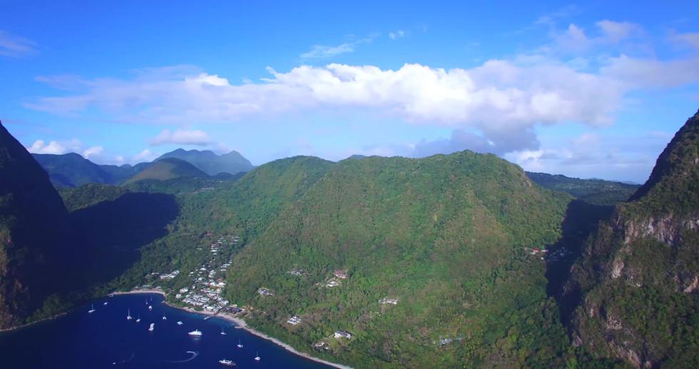 Les pitons de ste Lucie, drone, croisiere Grenadines
