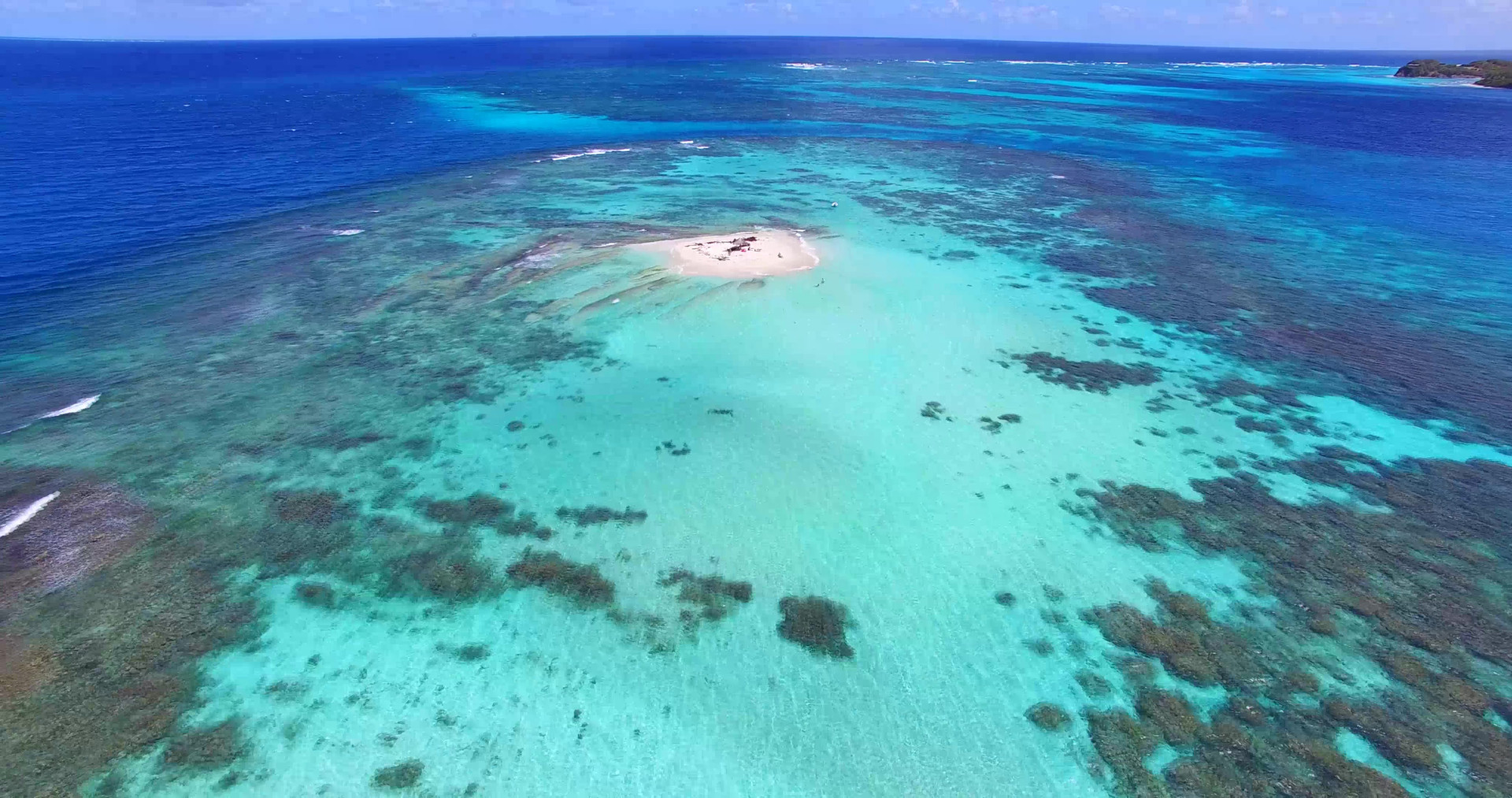 Morpion island, Mopion, plus petite ile du monde, Grenadines, croisiere Grenadines