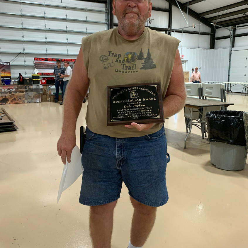 Dale Pickett with the Appreciation Award.