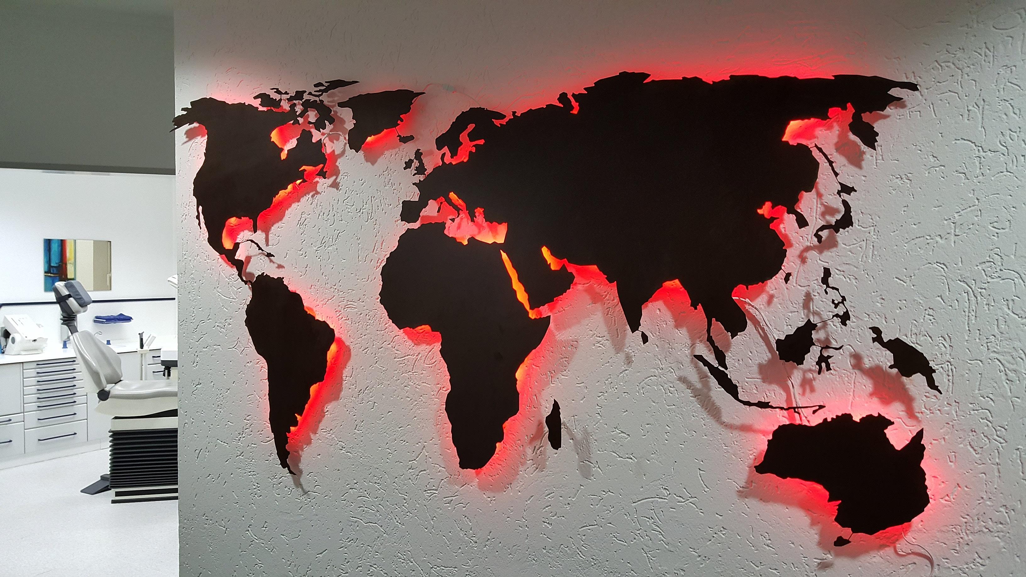 Weltkarte mit LED aus Metall