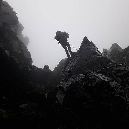 Chris Cowdrey - At The Edge Mountaineeri