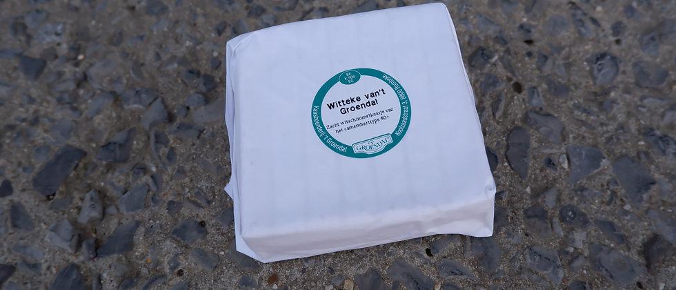 """Zacht witschimmelkaasje type Camembert """"by familie Deweer"""" - ± 350 gram"""