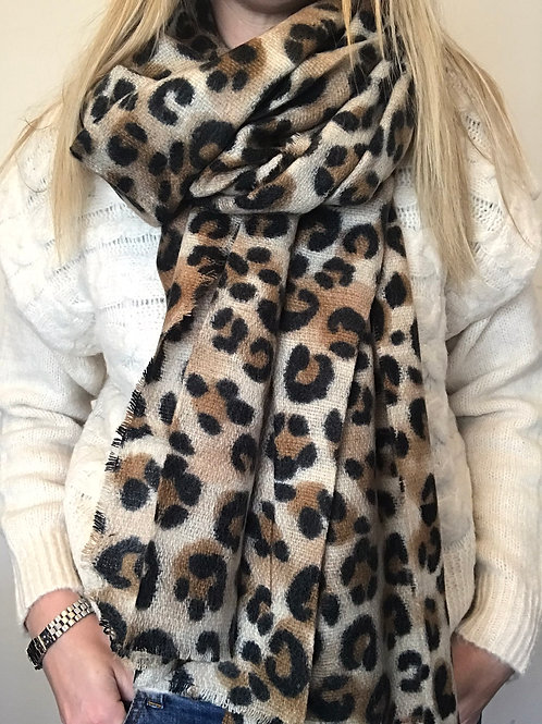 Cosy Leopard Scarf