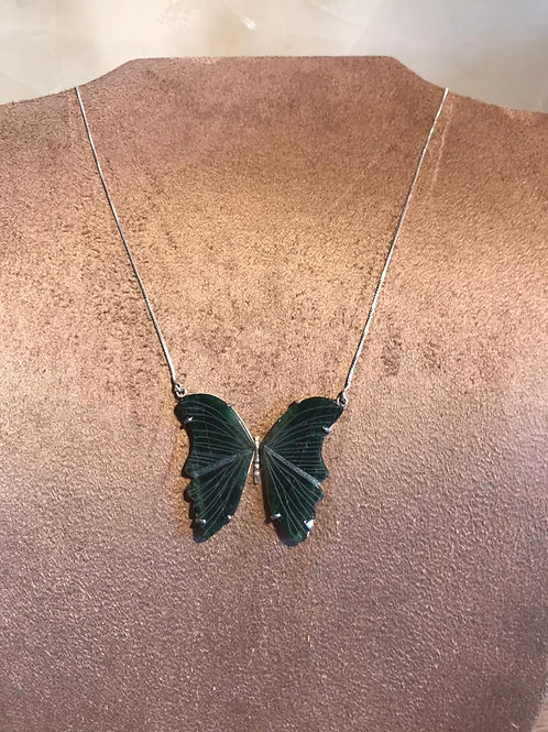 Colar borboleta verde modelo 1