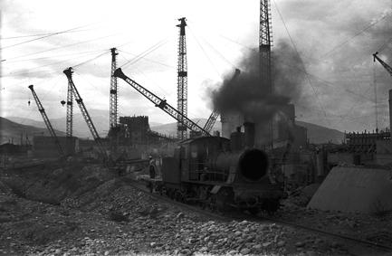 Строительство плотины Гидроэлектростанции .1937.jpg