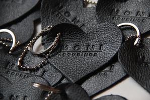 chaveiro-personalizado-de-couro-preto-lo